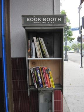 BookBoothHP01Sm